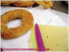 ΚΟΥΛΟΥΡΙΑ ΘΕΣΣΑΛΟΝΙΚΗΣ ΜΑΣΤΙΧΩΤΑ!!! - Νόστιμες συνταγές της Γωγώς! Bagel, Doughnut, Bread, Desserts, Blog, Recipes, Tailgate Desserts, Deserts, Brot