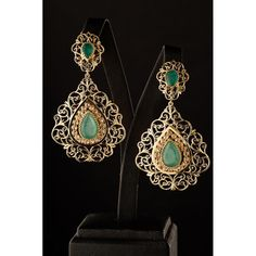 DMANA earrings in Emeralds, luxury diamond jewelry at the online jewelery and jewelry store Unique Diamond in Fez, Casa in Morocco. Indian Jewelry Earrings, Diamond Jewelry, Gold Jewelry, Jewelery, Bijoux Design, Gold Jewellery Design, Moroccan Jewelry, Diamond Are A Girls Best Friend, Designer Earrings