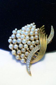 TRIFARI Vintage 1950s Rhinestone Glass Gold by AnnesGlitterBug