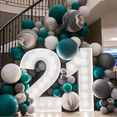 birthday decorations Now that's a statement entrance! 21st Bday Ideas, 21st Birthday Decorations, 30th Birthday Parties, Balloon Decorations, Birthday Surprise Ideas, 21st Birthday Themes, Party Time, 21 Party, Instagram