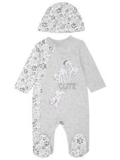 101 Dalmation sleepsuit and hat Disney Baby Clothes, Baby Kids Clothes, Baby Disney, Toddler Boy Fashion, Little Boy Fashion, Baby Boy Outfits, Kids Outfits, Boy Doll Clothes, Matalan