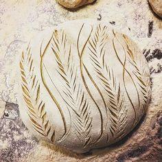 Välkomna på julcafé på @rosehillsblommor idag 11-17. Massa gott! Pallra er hit och köp med er vörtbröd, saffranssemlor, croissanter och annat bös. Hörs!