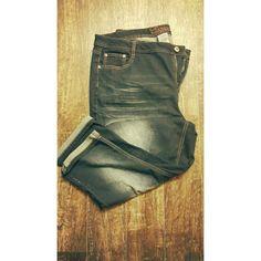 Dark wash denim capri pant Very stretchy dark wash capri pant. Revolt brand bought from Cato. Never worn! Cato Jeans Ankle & Cropped