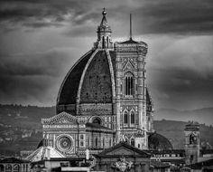 Tour panoramico Michelangelo a Firenze Tour della Galleria degli Uffizi La casa fiorentina  Trekking urbano a Bellosguardo Tour del lunedì
