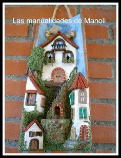Las manualidades de Manoli: tejas Clay Wall Art, Clay Art, Tile Crafts, Clay Crafts, Hobbies And Crafts, Diy And Crafts, Diy Y Manualidades, Clay Houses, Sugar Craft