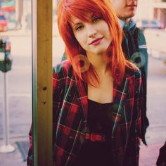 Hayley Williams always is sporting some shade of red/copper. A hard colour to maintain but it looks awesome on her