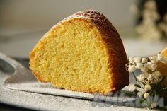 """Вкуснее пирога из кукурузной муки, чем заварной бразильский пирог """"bolo de fubá"""" не найти. Ароматный, вкусный, пышный кукурузный пирог не оставит вас равнодушными. Его влажная и рыхлая текстура понравится абсолютно каждому. Попробуйте приготовить этот пирог и вы будете возвращаться к нему раз за ..."""