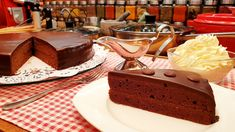 Sacher torta 🍫🍑🥞🍰 @Szoky konyhája The Creator, Cake, Youtube, Food, Kuchen, Essen, Meals, Torte, Cookies