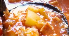 Classic southern catfish stew recipe with potatoes, stewed tomatoes and fatback or bacon. Potato Recipes, Fish Recipes, Seafood Recipes, Southern Catfish Stew Recipe, Stuffed Pepper Soup, Stuffed Peppers, Stewed Tomatoes, Seafood Boil