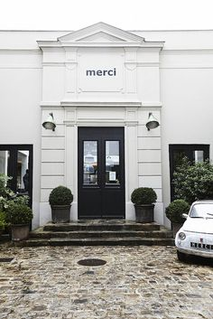 Merci, a fantastic store on Blvd Beaumarchais. Tucked in the back of a courtyard at 111 Blvd Beaumarchais