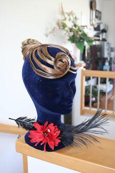 Haarteil von Ines Lang Captain Hat, Crown, Hats, Fashion, Moda, Corona, Hat, Fashion Styles, Fashion Illustrations