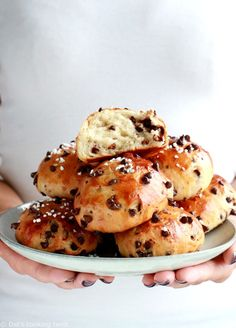 Easy chocolate brioche buns are a perfect addition to your breakfast basket. They are soft, pillowy, and loaded with chocolate chips. Breakfast Basket, Breakfast Casserole, Breakfast Recipes, Ricotta, Chocolate Brioche, Chocolate Chips, Chocolate Croissants, Pound Cake Recipes, The Fresh
