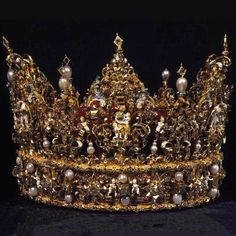 Incredible detail...  Denmark - King Christian IV   1595-1596  Made by jeweller Dirich Fyring in Odense