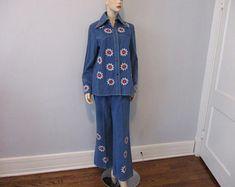 906bd27e7c7 Denim Hippie Jacket Belt Bottom Pants Suit Vintage 1970s Red White  Embroidered Daisies Flower Power Blue