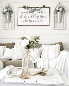 beautiful farmhouse living room design and decor ideas 40 – farmhouse chic Farmhouse Wall Decor, Farmhouse Chic, Farmhouse Design, Farmhouse Livingrooms, Modern Farmhouse Living Room Decor, Farmhouse Furniture, Farmhouse Ideas, Country Farmhouse, My Living Room