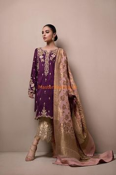 SANA ABBAS Light Party Wear And Formal Wear at Retail and whole sale prices at Pakistan's Biggest Replica Online Store Shadi Dresses, Pakistani Formal Dresses, Pakistani Party Wear, Pakistani Wedding Outfits, Pakistani Dress Design, Indian Dresses, Indian Outfits, Pakistan Fashion, Party Wear Dresses