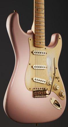 Fender 56 Relic Strat Shell Pink