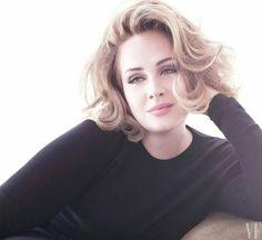 """Adele em seu mais novo photoshoot, divulgado hoje (31), para a revista """"Vanity Fair"""". ❤️"""