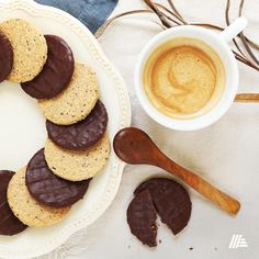 Nehéz eldönteni, hogy a 3 ízből melyik bio vajas zabkekszünkre harapnánk rá legelőször. Bio vajas zabkeksz az ALDI-ból. Pancakes, Cookies, Breakfast, Food, Crack Crackers, Biscuits, Meal, Pancake, Cookie Recipes
