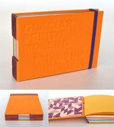 Cuadernos con bajorrelieve, encontralos enLas Huellas– El Calafate Cuadernos con bajorrelieve en tapa y cubierta de tela– Encuadernaciónpuntada de ojal – 90 hojas ahuesadas y de colores – Tama…