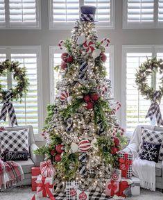 Elegant Christmas Trees, Country Christmas Decorations, Christmas Tree Themes, Very Merry Christmas, Family Christmas, Beautiful Christmas, Christmas Tree Decorations, Christmas Holidays, Christmas Crafts