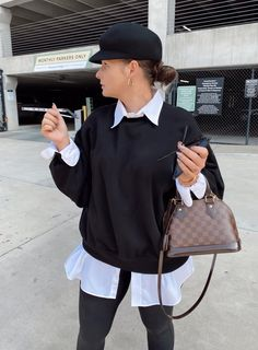 5 WAYS TO WEAR SPANX LEATHER LEGGINGS   THE RULE OF 5 Sweater Shirt, Sweater Outfits, Spanx Leather Leggings, Errands Outfit, Style Blog, Blogger Style, Trendy Girl, Fall Winter Outfits, 5 Ways