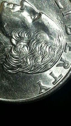 Moneda con error $2000us
