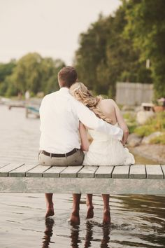 ontario Cottage wedding - I want a picture like this