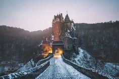 Eltz Castle in the Morning http://ift.tt/1PwaAJe eltz castleeltzcastleburgschlossneuschwansteingermanydeutschlandhiketravelexplorewintermorningsunrisefairyfairytaleforestnaturesky