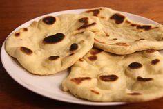 Recipe for naan with Thermomix or cheese. - Recipe for naan with Thermomix or cheese. Food Porn, Food L, Indian Food Recipes, Vegetarian Recipes, Ethnic Recipes, Lidl, Bread Dough Recipe, Naan Recipe, Tapas