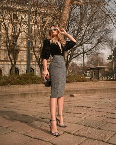36 New Ideas Moda Fashion Glamour Midi Skirts Classy Work Outfits, Business Casual Outfits, Professional Outfits, Chic Outfits, Trendy Outfits, Fashion Outfits, Moda Outfits, Glamorous Outfits, Outfit Elegantes