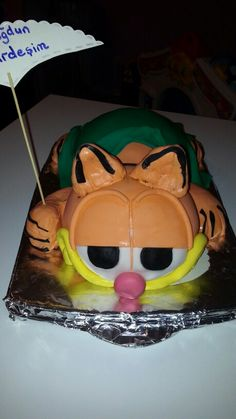 Fenerbahce torte mit kirschkuchen und schokoganache