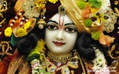 To view Gaurachandra Close Up Wallpaper of ISKCON Chicago in difference sizes visit - http://harekrishnawallpapers.com/sri-gaurachandra-close-up-wallpaper-025/