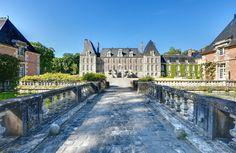 Le Château de Courances, vu depuis le pont Par Philippe Bajcik