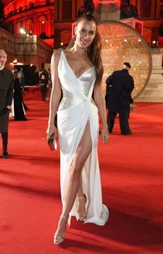 Irina Shayk Shows Off Her Beautiful Legs at The Fashion Awards 2017 ! Red Carpet Dresses, Satin Dresses, Nice Dresses, Dressy Outfits, Sexy Outfits, Lab, Catwalk Models, British Fashion Awards, Barbie