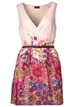 this would be so cute to wear to a summer wedding