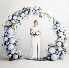 Artistic DIY Balloon Decorating Ideas and Arrangements - Ballon iDeen ? … in 2020 Balloon Backdrop, Ceremony Backdrop, Balloon Garland, Balloon Ideas, Ballon Arch Diy, Wedding Backdrops, Balloon Balloon, Balloon Designs, Balloon Columns