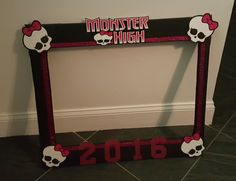 Monster High Photo Booth Prop... Monster High Birthday, Monster High Party, Photo Booth Props, Holidays And Events, Party Planning, Entryway Tables, Birthday Parties, Birthdays, Halloween
