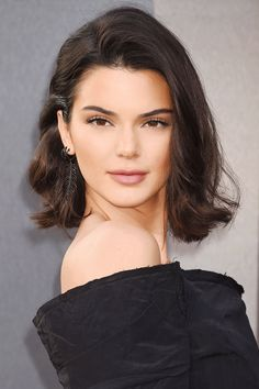 Daily Beauty Buzz: Kendall Jenner's Flippy Lob | Supermodel Kendall Jenner wore a flipped-out lob hairstyle inspired by Marilyn Monroe to the Valerian premiere.