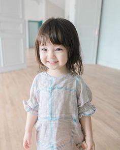 Beautiful Little Girls, Cute Little Baby, Baby Kind, Cute Baby Girl, Beautiful Children, Little Babies, Cute Asian Babies, Korean Babies, Asian Kids