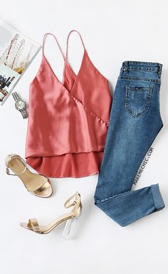 Online shopping for Pink Satin Wrap Cami Top from a great selection of women's fashion clothing & more at MakeMeChic. Oufits Casual, Casual Outfits, Cute Outfits, Casual Wear, Look Fashion, Womens Fashion, Fashion Trends, Fashion Usa, Ladies Fashion