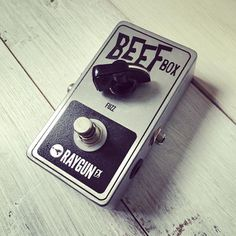 Feels like I while since I've built a few of these! A deliciously simple but very effective fuzz. Almost synthy with its gated and spluttery fuzz and just one simple control.  #beefbox #fuzz #glitchy  fuzzboxes.co.uk