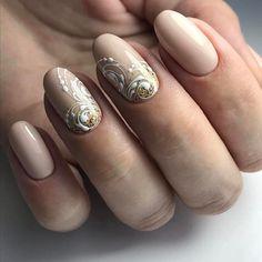 2,099 отметок «Нравится», 2 комментариев — Маникюр / Ногти / Мастера (@nail_art_club_) в Instagram: «#Repost @lenochka_pisareva_nails ・・・ Для любительницы нежнятинки и моих вензелюшек⚜️⚜️⚜️ Катюши…»