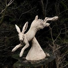 Escultura hare en cerámica por Paul Szeiler   Etsy