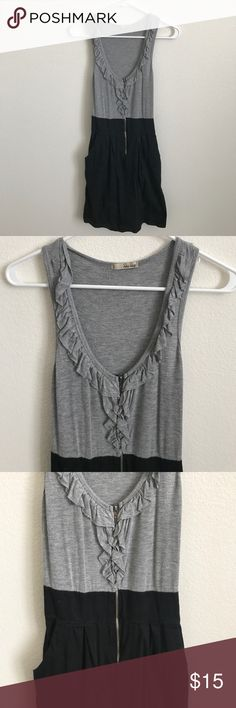 Flattering Zip Up Dress Ruffles Medium Super flattering dress! BeBop Dresses Midi