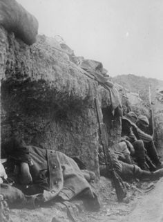 Soldiers rest during the advance over Suvla Plain, Gallipoli, at 4pm on 21 August 1915.