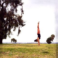 #Handstand for Day 27 of #StepByStepYogis   #yogini #ashtanga #yoga #ashtangayoga #igyoga #instayoga #yogagram #instafit #stretch #strength #flexibility #inversionjunkie #yogalife #practice #fitness #fit #fitlife #healthy #yogaeverydamnday #practicedaily #asana #yogapose #workout #sandiego #feeltheyogahigh #behappy #fitfam #yogalove