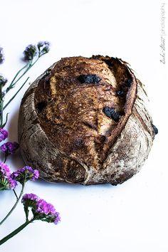 Pan de cereza y chocolate Bread Art, Pan Bread, Bread Baking, Loaf Pan, Sourdough Recipes, Sourdough Bread, Bread Recipes, Cherry Bread, Pan Dulce