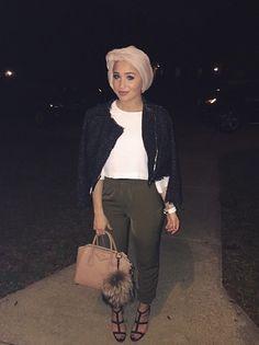 Hijabi turban fashion minimalism inspiration Maria Alia