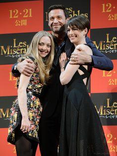 Amanda Seyfreid, Hugh Jackman, and Anne Hathaway
